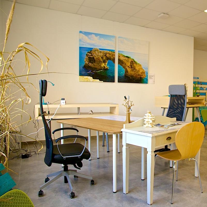 Rayaworx Coworking Desk