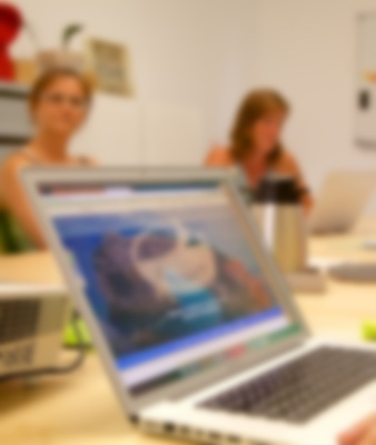 Laptop Meeting Rayaworx