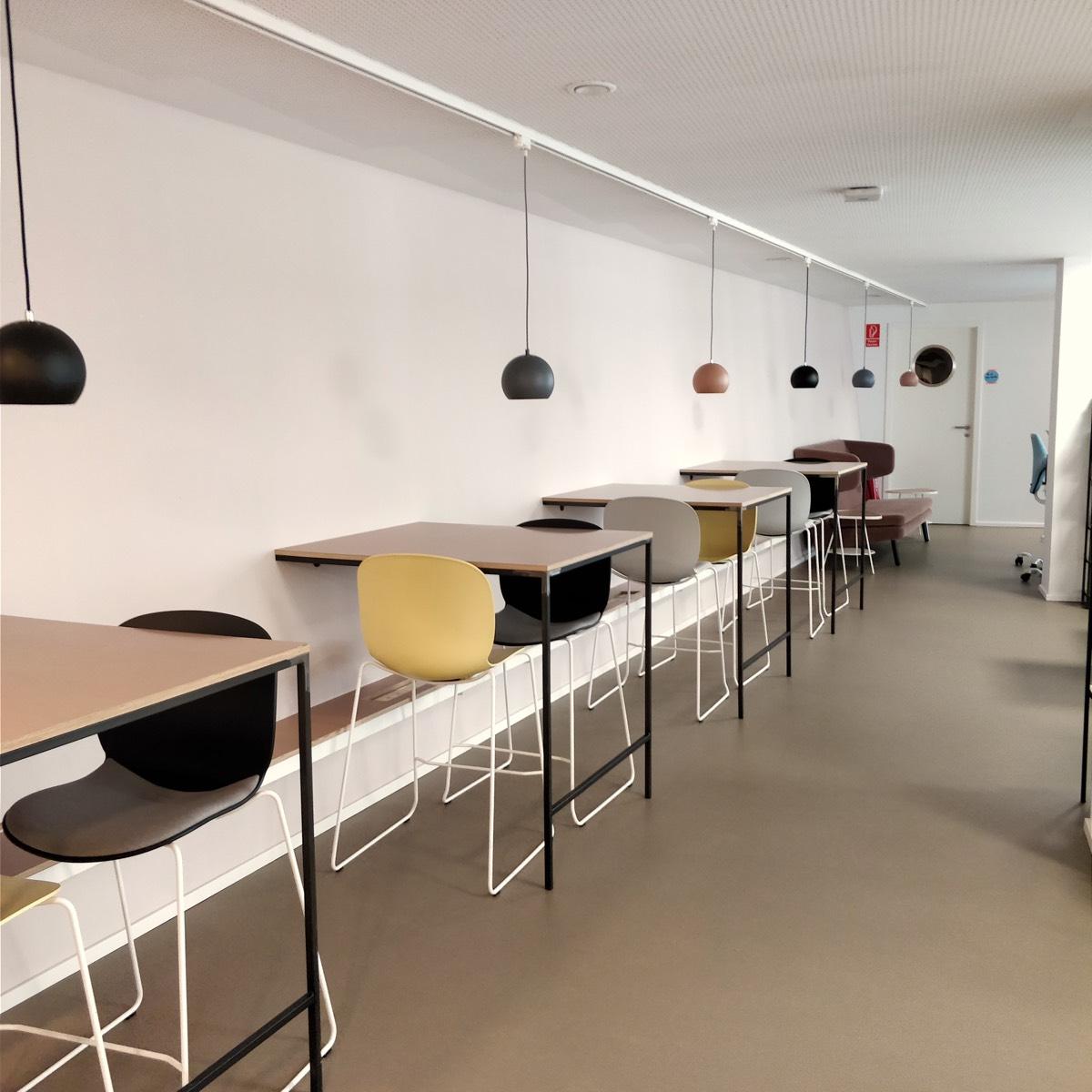 COWOKI Coworking Standing Desks